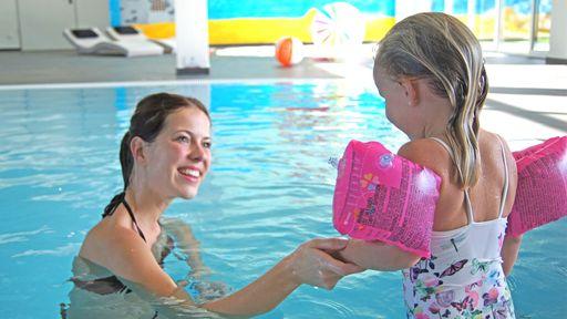 Zertifizierte Happy Schwimmschule für Kinder ab 3 Jahren.