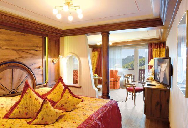 Hotel Dollenberg in Bad Peterstal–Griesbach: Suite junior type IV (Last Minute)