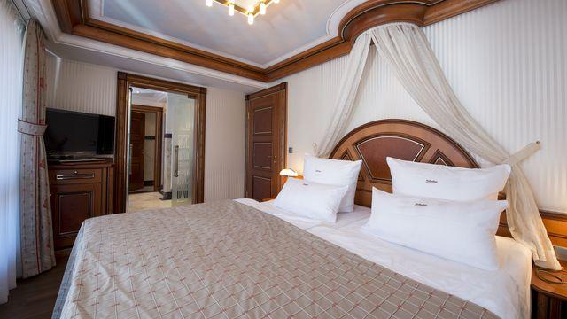 Luxury Suite Type IV