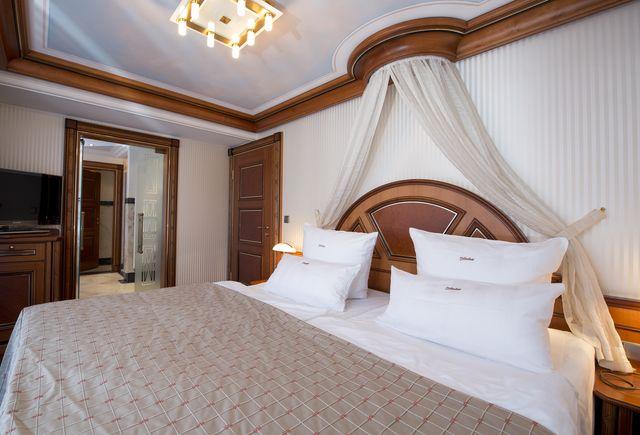 Hotel Dollenberg in Bad Peterstal–Griesbach: Suite de luxe type IV (Last Minute)
