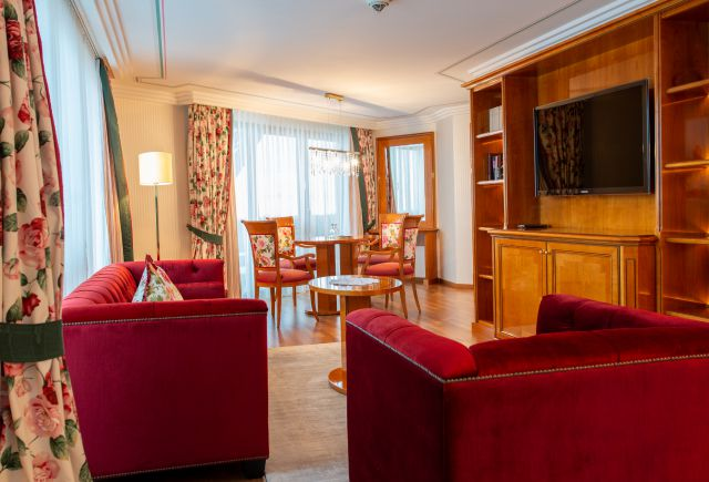 Hotel Dollenberg in Bad Peterstal–Griesbach: Suite de luxe type VIII (Last Minute)