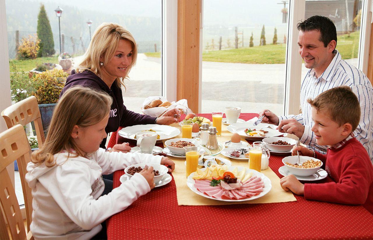 Familienhotel_Familien_Resort_Petschnighof_Essen.jpg