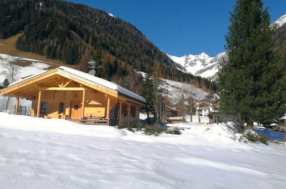 Winter, Ausserhof Hütte in Weissenbach, Südtirol, Alto Adige, Italy