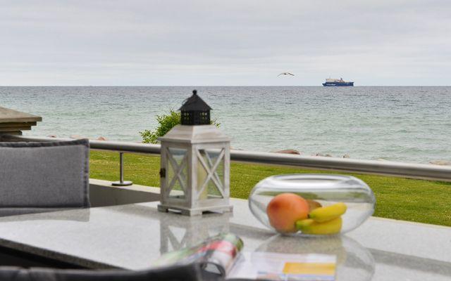 Terrasse mit Ausblick auf die Ostsee