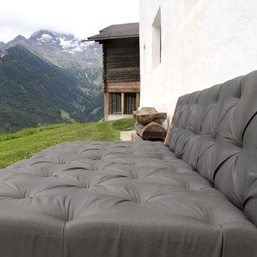 Sitzecke im Außenbereich, Schauinstal Appartement, Luttach, Südtirol, Trentino-Südtirol, Italien
