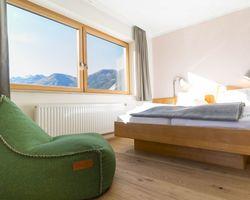 Bio- & Yogahotel Bergkristall, Schladming, Stiria, Austria (3/21)