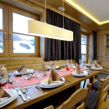 Essbereich und Küche , Bachgut Luxus Suite B, Saalbach-Hinterglemm, Salzburg, Salzburg, Österreich