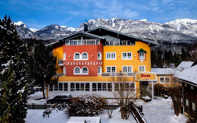 Familienhotel Bliem Fassade Winter