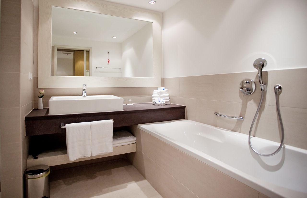 Familienzimmer-Meerseite-Badezimmer