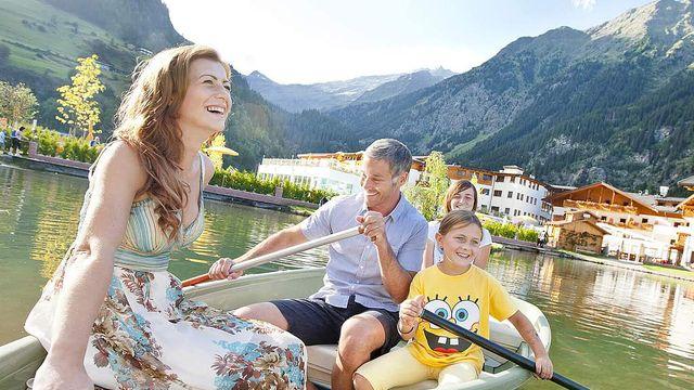 Familien- & Kinderhotel Schneeberg