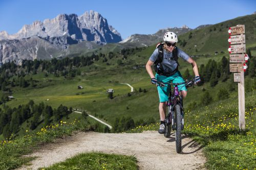E-Bike Tour for families at Plan de Corones