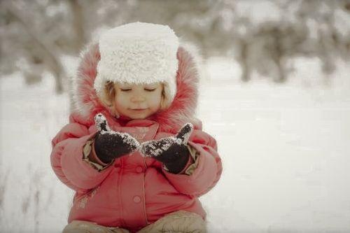 Prima neve per il bambino