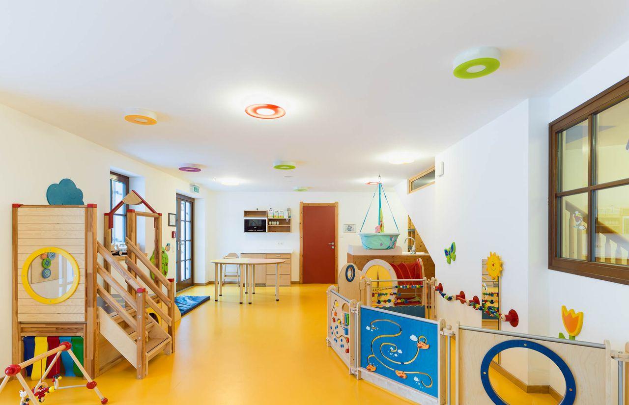 Baby- und Kinderbetreuung im Betreuungsraum