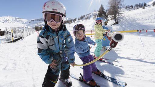 Pistenglück liegt für Skifahrer direkt vor dem Familotel Gorfion im traumhaften Malbun.