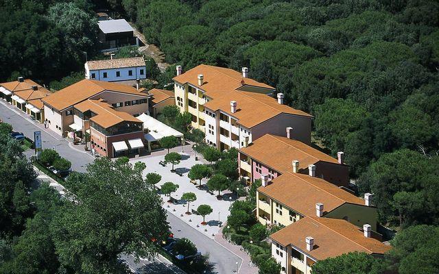 Empfangbereich, Restaurant und Apartments