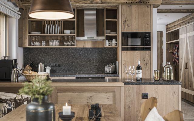 Küche & Esszimmer im modernen Stil