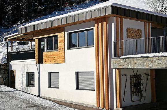 Winter, Naturchalet INSToul, St. Johann im Ahrntal, Südtirol, Trentino-Südtirol, Italien
