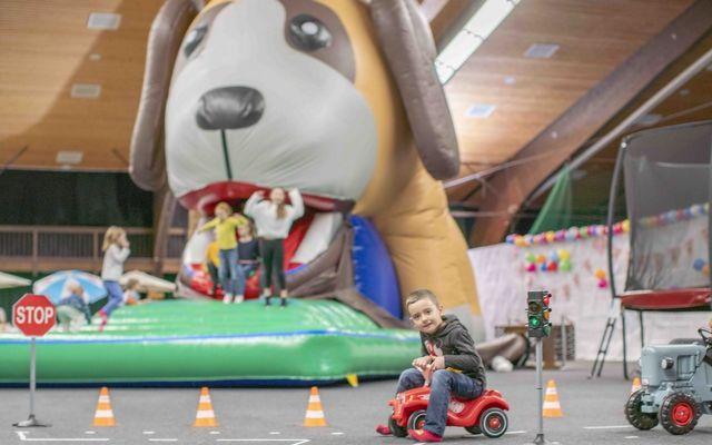 Gummirutsche in Form eines Hundes in der Indoor Spielewelt