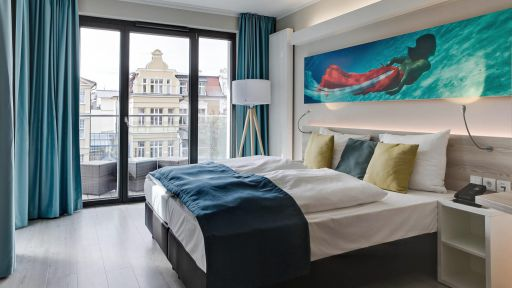SEETELHOTEL Kaiserstrand Beachhotel - Zimmer Landseite