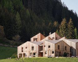 Biohotel Blaslahof: Chalethäuser - Blasla Hof, Gsies, Südtirol, Trentino-Südtirol, Italien