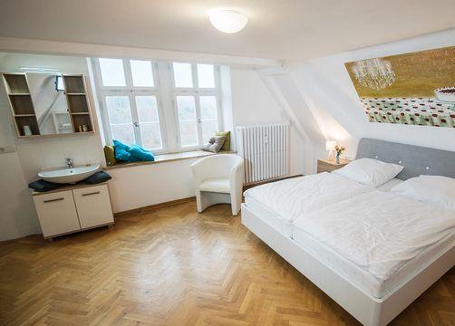 biohotel schloss kirchberg doppelzimmer premium mit bad (4/4) - Biohotel Schloss Kirchberg