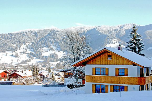Außen Winter 21 - Hauptbild, Ferienchalet Schwänli in Oberammergau, Oberammergau, Oberbayern, Bayern, Deutschland