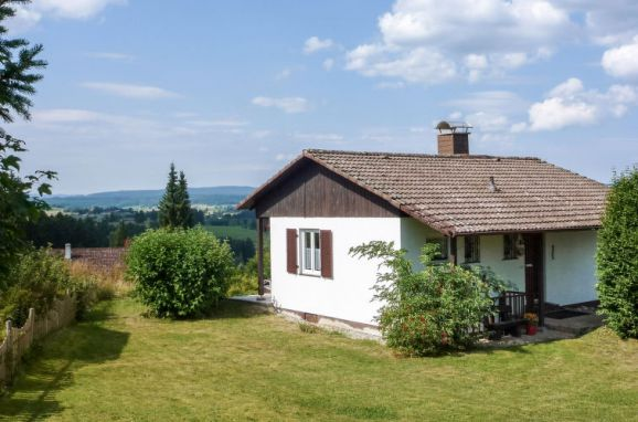 """Außen Sommer 1 - Hauptbild, Chalet """"Schöne Aussicht"""" im Schwarzwald, Dittishausen, Schwarzwald, Baden-Württemberg, Deutschland"""