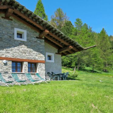 Außen Sommer 3, Rustico Pra Viei, Sampeyre, Piemonte-Langhe & Monferrato, Piemont, Italien
