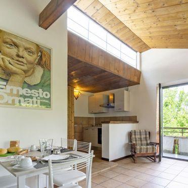 Innen Sommer 5, Rustico nel Bosco, Leggiuno, Lago Maggiore, Lombardei, Italien