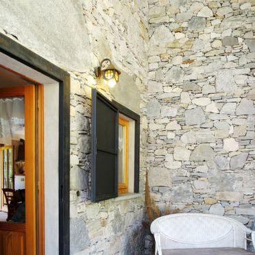 Innen Sommer 4, Rustico Alpe in Castelveccana, Castelveccana, Lago Maggiore, Lombardei, Italien