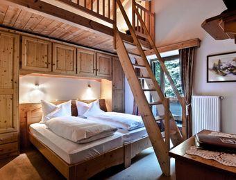 Mulit-Bed Room Classic – with 3 beds on mezzanine floor - Aqua Bad Cortina