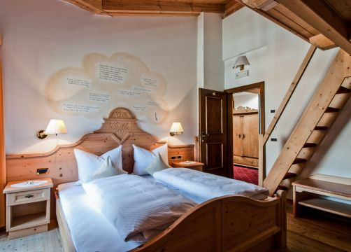 Multi-Bed Room Special – with 3 beds on mezzanine floor (1/1) - Aqua Bad Cortina