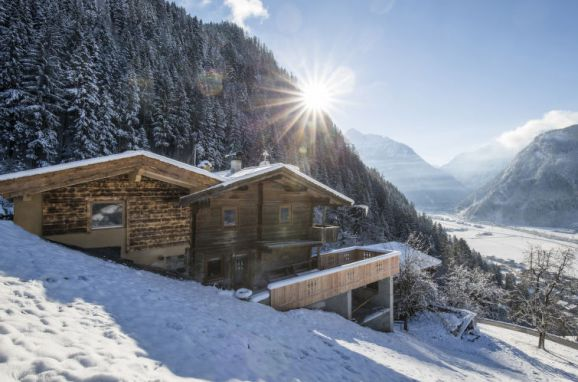 Outside Winter 22 - Main Image, Hütte Jörgener, Mayrhofen, Zillertal, Tyrol, Austria